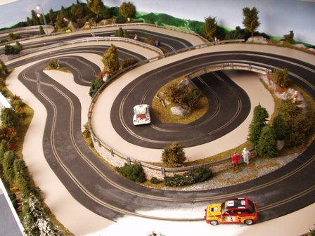 how to make custom scalextric track