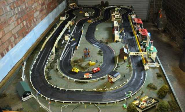 Loosealute 39 s classic home scalextric track tracks for Classic house tracks