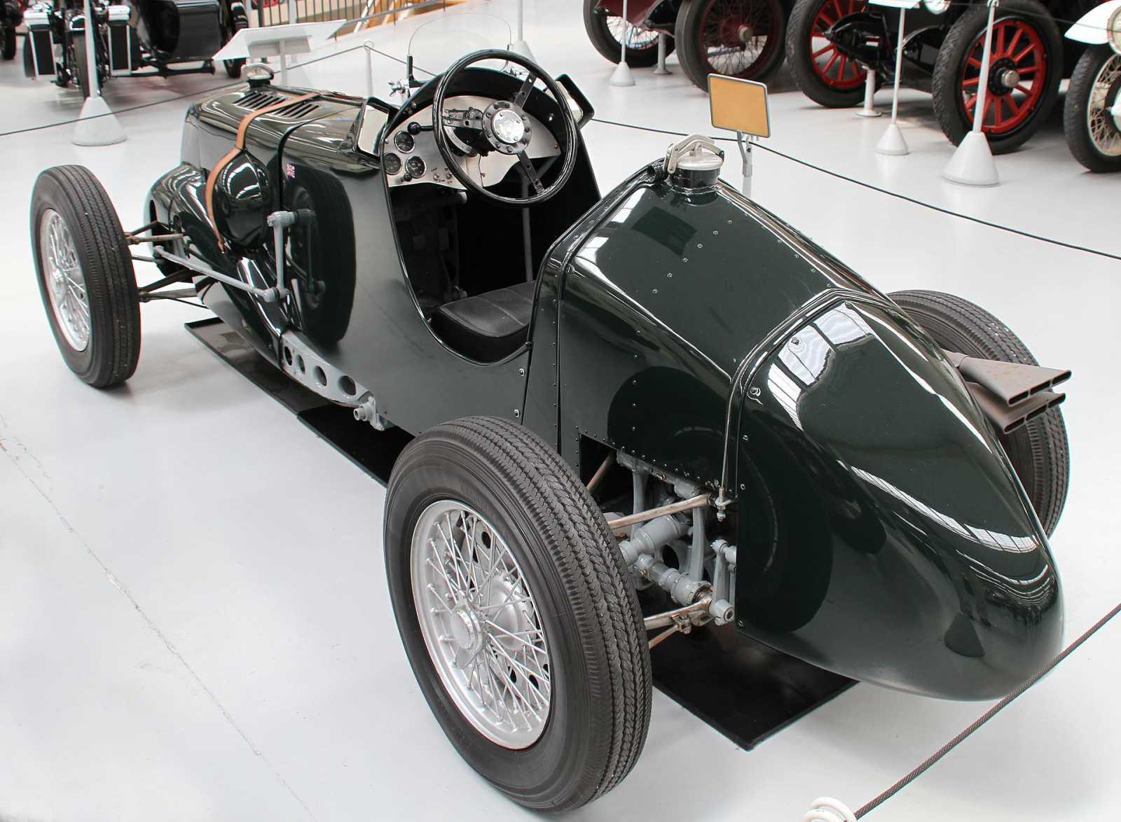 R type left rear quarter